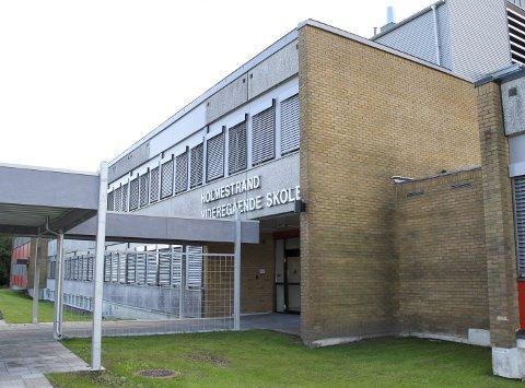 Ikke fullt: Holmestrand videregående skole har fått 223 såkalte primærsøkere til neste skoleår. Totalt var det 15.468 søkere til videregående opplæring i Vestfold og Telemark da fristen gikk ut 1. mars. ARKIVFOTO