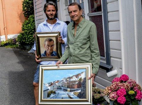 Thomas Wartiainen med et selvportrett av Tore Juell. Juell selv holder motivet «Farvel» fra Tallakshavn.