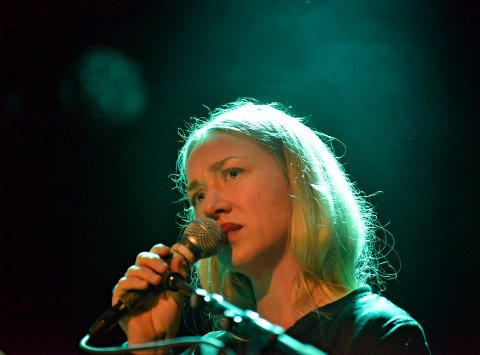 VOKAL: Hanne Hukkelberg fra Kongsgerg synger på plata - slik hun gjorde under konsertene.