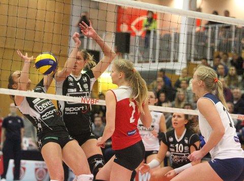 LYKKES IKKE: Ingrid Lunde (venstre), Ragnhild Aas og Oslo Volley hadde ikke dagen mot Randaberg.