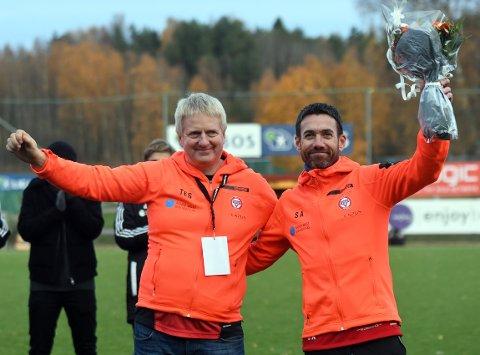 BLE HEDRET: Ståle Andersen gir seg som hovedtrener, og ble takket for trofast og bra innsats av daglig leder, Thor-Erik Stenberg søndag.