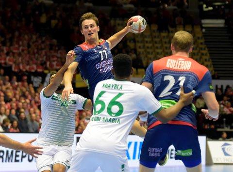SYV MÅL: Magnus Abelvik Rød er i ferd med å bli en nøkkelspiller for det norske landslaget. Mot Ungarn ble han delt toppscorer med syv mål på tolv skudd.
