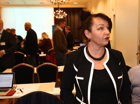 Line Miriam Sandberg har akkurat vært vitne til at Geir Arne Winther har trukket seg som leder. Hun ville ikke kommentere om hun er aktuell som ny leder. Foto: Ola Solvang