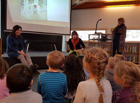 MORSMÅL: Denne uken ble den internasjonale morsmålsdagen markert på Larvik bibliotek.