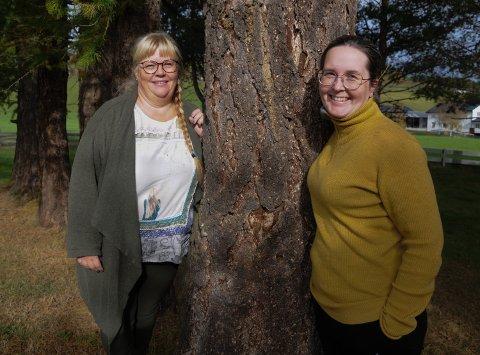LOKALLAGSTYRE: Nestleder Tone Mobakken (til venstre) og økonomisjef Cecilie Andersen i En Hjelpende Hånd, Fjellregionen.