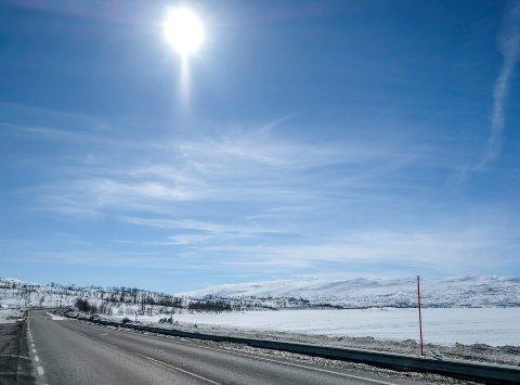 Statens vegvesen vil legge til rette for adkomst til fjellet, men presenterer ingen løsning på parkeringsproblematikken langs E12 om vinteren.