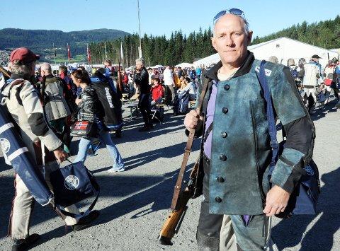 Arild Hjertås fra Dunderlandsdalen skytterlag er en skikkelig LS-veteran. Han stiller ikke altfor store forventinger, men vet at han på en god dag kan kjempe om å vinne V55-klassen.