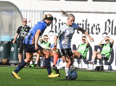 TOPPSCORER: Silje Nyhagen var klart best, og scoret to av HBK-målene mot ØHIL Dermed er Silje toppscorer i 1. divisjon med seks mål etter seks kamper.