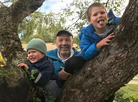VALGTE FAMILIEN: – Tid med barnebarna var hoveddrivkraften for å slutte, ellers hadde jeg kanskje fortsatt litt lenger, sier Ole Sunnset.