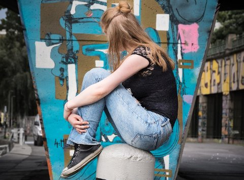 """MÅTTE VENTE PÅ HJELP: 15 år gamle """"Lise"""" måtte vente i ukesvis på hjelp, da moren mente hun var akutt syk. (Illustrasjonsfoto)"""