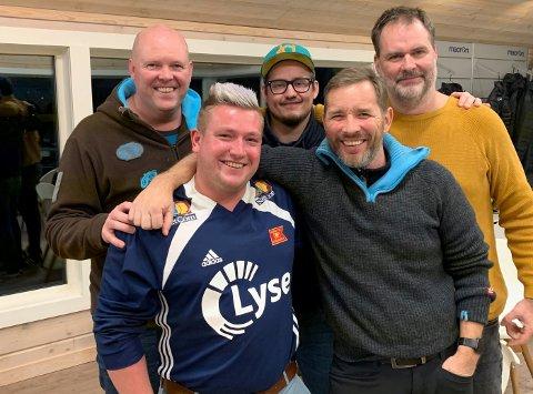 DRØMMEN LEVE NÅ: Denne gjengen står bak Riska FKs cupfinalelåt. Fra venstre: Lennart Ims, Ronny Duås, Frank Eilertsen, Tor Annar Kristoffersen, Jostein Markhus.