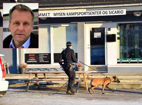 RAZZIA: Før helgen ble Fra gata til gymmet ransaket av politiet. De hadde med seg narkotikahunder, men fant ikke narko. Det ble funnet en mindre mengde dopingpreparater. Nå vil ordfører Saxe Frøshaug (innfeldt) ha en lovendring.