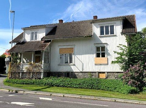 AVSLO KLAGE: På Tampen av mai måned sendte Fortidsminneforeningen i Telemark inn en klage på vedtaket om å rive bygget i Sverresgate 21. Fylkesmannen konkluderer med at klager ikke får medhold.