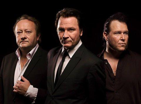 Stjernelag med Elvis: Stephen Akcles, Paal Flaata og Vidar Busk på turne med In memory og Elvis Gospel.