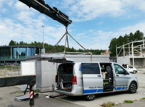 Demonteres: Selvvaskeanlegget for biler blir nå demontert og flyttet. Foto: Frode Gustavsen