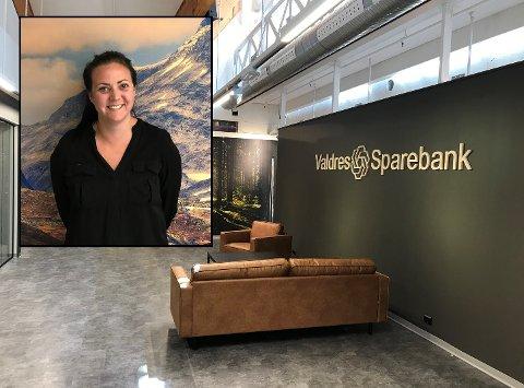 KLAR FOR ÅPNING: Fredag åpner Valdres Sparebank sitt nye avdelingskontor på Bagn. Der blir den hjemvendte Reinli-jenta Heidi Røang å treffe i rollen som bredderådgiver.