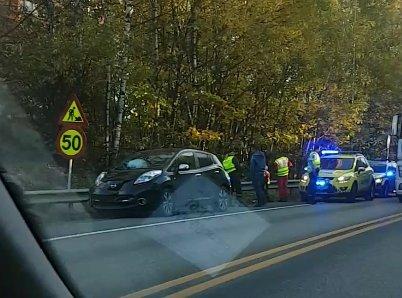 ULYKKE: Tre biler var involvert i en ulykke på E16 på Sandvika-siden av Hamangtunnelen torsdag ettermiddag.