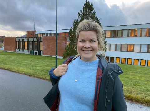 Blid: Ordfører Aase Refsnes har grunn til å smile over at Steigen slipper å gjøre dramatiske kutt neste år. De siste fem årene har innbyggertallet økt med over 100.