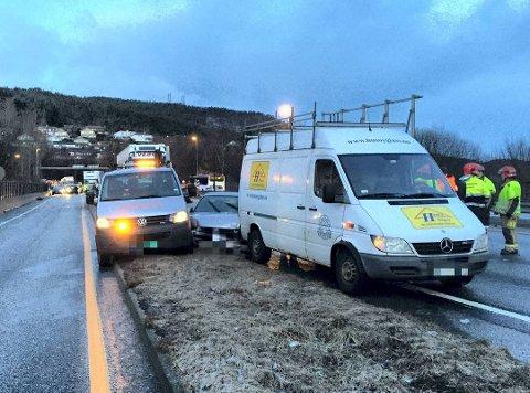60 bilar var involvert i massekollisjon på det glatte føret i Eidsvåg i februar 2016.