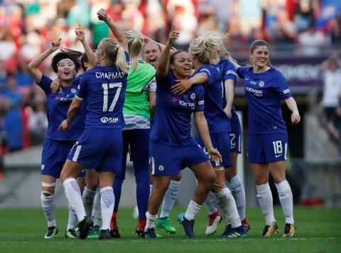 Chelsea vant FA-cupen etter 3-1 mot Arsenal i finalen. Maren Mjelde helt til høyre i bildet.