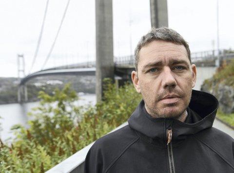 Roger Kristoffersens barn og unge i Askøy SK får ikke reise over broen for å spille kamper mot lag fra Bergen grunnet regjeringens begrensninger for idrett på tvers av kommunegrenser.