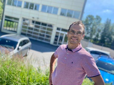 FLYTTER INN: Tom Kvernsveen og Vianor vil med avdelingen i Ski ha 60 avdelinger rundt omkring i Norge..