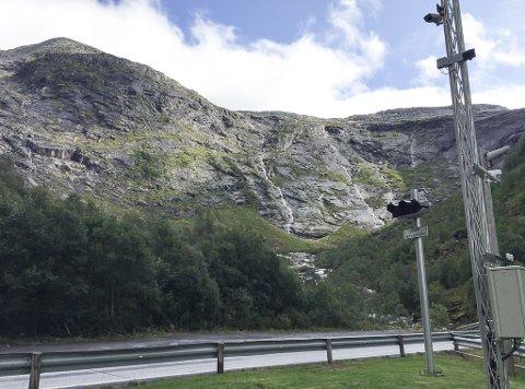 TURSTI: Dei franske turistane skulle gå Lundeskaret i Jølster då ulykka skjedde.