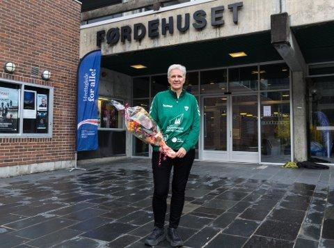 ÅRETS ELDSJEL: Ruth Laberg frå Øvre Årdal fekk pris for sitt frivillige engasjement i idretten.