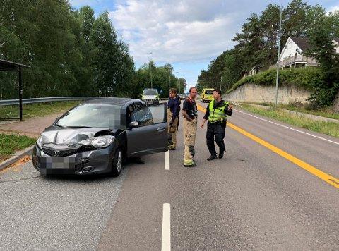 Den ene bilen fikk såpass store skader i fronten at den ikke var kjørbar etter ulykken.