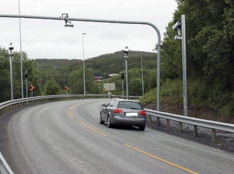 SMERTEGRENSEN ER NÅDD: Et tydelig flertall av nordmenn mener staten tar for lite av regningen i byggingen av nye veier.