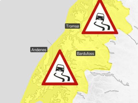 GLATT: Det ventes ekstra vanskelige kjøreforhold lørdag og søndag på grunn av nordlig kuling, snøbyger og snøfokk i lavlandet.