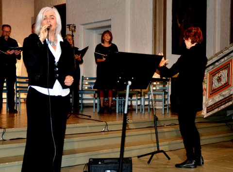 SANGER: Eli Helland bor i Åsgårdstrand, der hun virker som artist, komponist og arrangør.