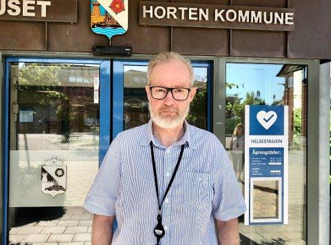 PASS PÅ: Kommuneoverlege Niels Kirkhus minner om at det fremdeles er mye smitte i samfunnet.