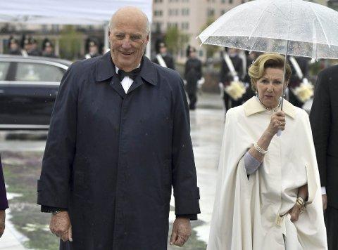KOMMER ONSDAG: Kong Harald og dronning Sonja besøker vårt distrikt onsdag i neste uke.