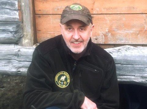 ALVORLIG BEKYMRET: Jan Helge Nordby fra Øyer er styreleder i Norsk Kennel Klub. Han frykter at organisasjonen kan gå konkurs.