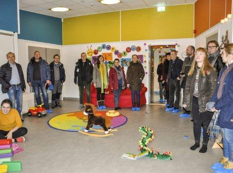 Bærekraftig barnehage: Klimasafari-deltakere fra hele Oppland samlet i småbarnsavdelingen til Fagerlund barnehage.