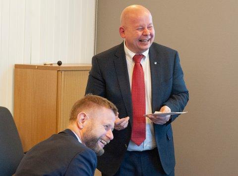 GOD TONE: Gjøviks ordfører Torvild Sveen la fram gode argumenter for at Gjøvik bør få akuttsykehuset i den nye sykehusstrukturen, da helseminister Bent Høie avla visitt på tirsdag.