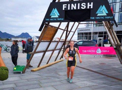 Live Grøtte Sandvik fra Mosjøen har vært med i NM i triatlon i Lofoten. Hun vant sin klasse og ble norgesmester.