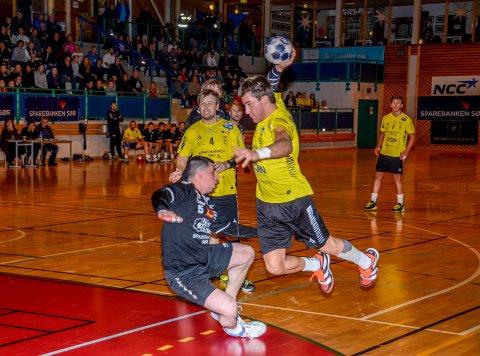 Håndball Kragerø - Urædd 2. divisjon 2017. Andreas Pedersen mot