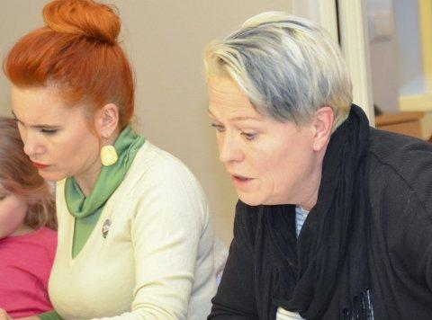 Fikk vedtatt: Sølvi Wirød (Ap) (t.h.) og Charlotte Therkelsen Sætersdal (Rødt) fikk vedtatt sine forslag.
