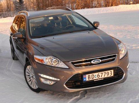 FERDIG: Ford har bestemt seg for å pensjonere Mondeo. Her er en i 2011, da modellen var svært populær, nå har SUV-ene tatt fullstendig over. Foto: Øivind Skar / NTB