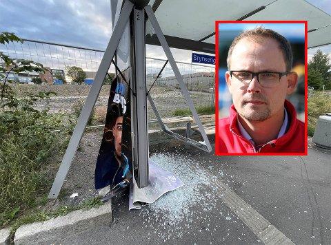REAGERER: Ruters pressevakt, Knut-Martin Løken forteller at selskapet synes det er trist at noen velger å begå hærverk som går på bekostning av fellesskapet.