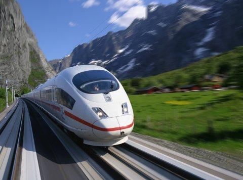 Med denne typen lyntog kan Nord-Norgebanen bli lønnsom mener Norsk Bane. Illustrasjon fra en tidligere utredning gjennom Romsdalen.