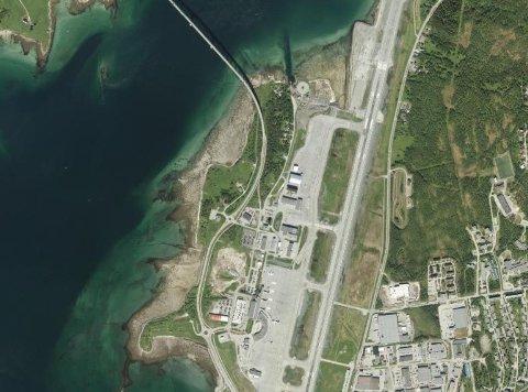UTVIDELSE: Avinor ønsker å kjøpe arealer hovedsakelig på Skogneshaugen rett vest for nordre del av flyplassen.