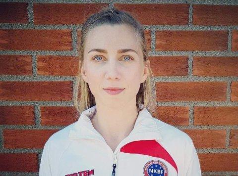 I VERDENSTOPPEN: Kristin Vollstad fra Nordreisa vant sist helg verdenscupfinalen i kickboxing i Ungarn. Nå har 27-åringen lagt en plan for fremtiden - med utgangspunkt i å trekke tilbake til hjemstedet.