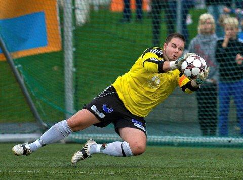 Tor Oddmar Lillereiten og Kolbu/KK kjørte over Dokka Sportsklubb i helgens serierunde.