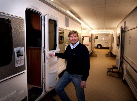 ØKER STADIG: Salget av både bobiler og campingvogner økte markant første halvår i år. Økningen er større i Oppland enn på landsbasis, forteller daglig leder Morten Hagen på Hagen Bil i Hunndalen.ARKIVBILDE