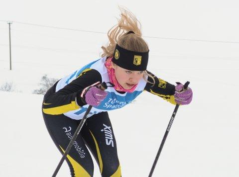 Synne Børresen Bollingmo fra Raufoss vant klasse 15 år i HA-sprinten på Budor.