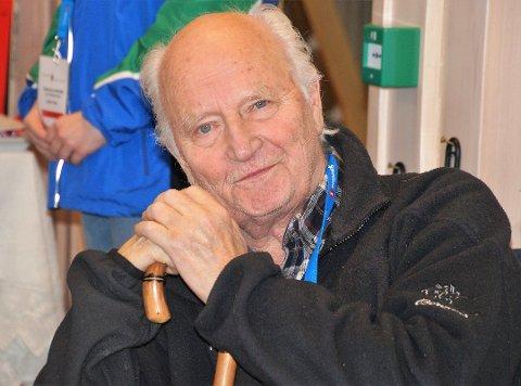 Thorvald Stoltenberg er død. Han hadde et eget hjerte for Hadeland. Dette bildet er tatt på på Lygna i januar i år. Foto: Anne Berit J. Reinsborg