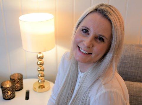 Camilla Kokkim (35) mener mange kan ha behov for hjelp til enkle, men viktige hjemmeoppgaver dersom man for eksempel er syk, nyoperert, alenemor eller gammel. Derfor har hun startet Innlandet hjemmetjenester.